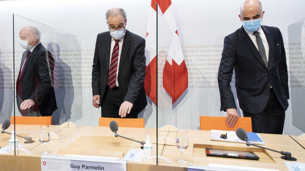 Les conseillers fédéraux portaient le masque en conférence de presse mercredi.