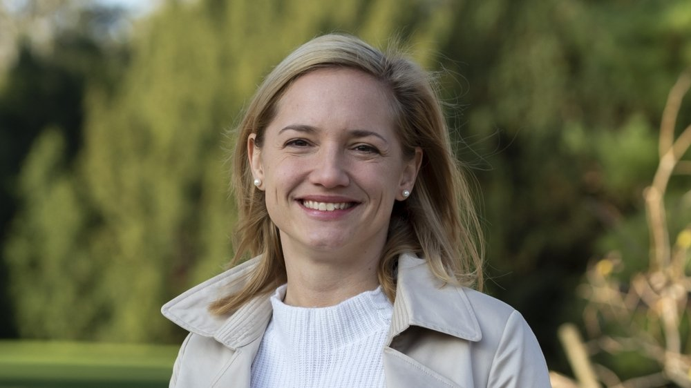 Elue sans autre soutien que son parti, Esther Keller a fait sensation en battant, au deuxième tour, un sortant, le PLR Baschi Dürr.