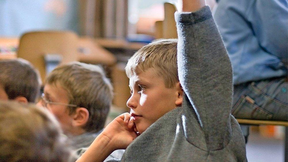 Des scientifiques aimeraient retarder la rentrée scolaire de janvier pour des raisons sanitaires.