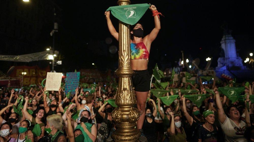 A Buenos Aires, les «Verts», partisans de l'avortement, ont laissé éclater leur joie, tard dans la nuit de mardi à mercredi.