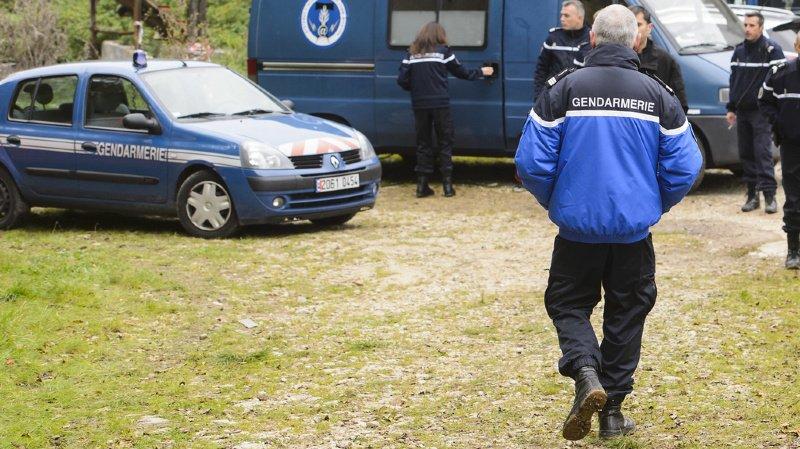 Ce sont pas moins de trois gendarmes qui ont été mortellement blessés par le forcené près de Saint-Just, une localité du centre de la France. (illustration)