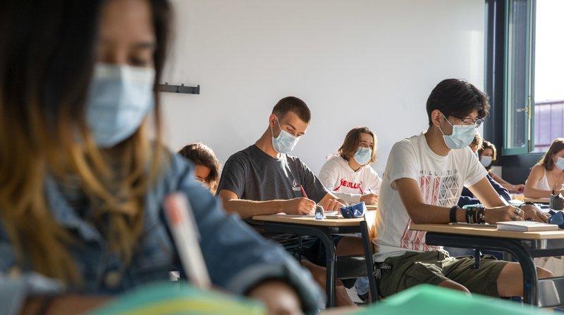 Des experts britanniques avaient notamment pointé le rôle des enfants et des écoles dans la circulation du coronavirus.