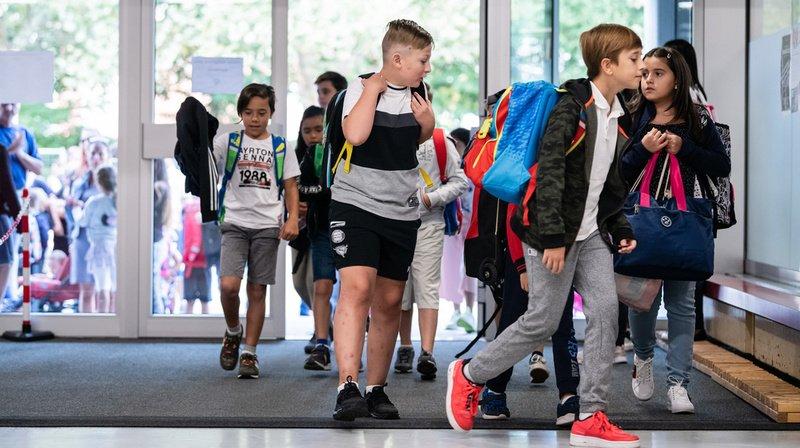 Coronavirus: l'Angleterre s'interroge sur la contamination du virus au sein de l'école