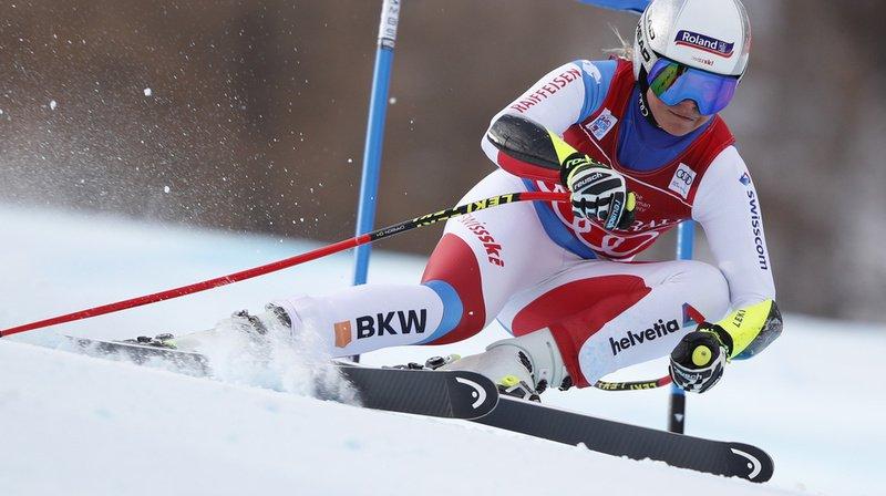 Ski alpin: Corinne Suter deuxième au super-G de Val d'Isère derrière la Tchèque Ledecka