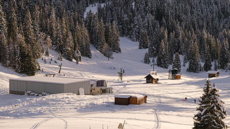 Le ciel capricieux retarde l'ouverture des pistes suisses de la Dôle