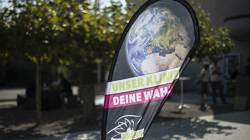 Climat: les Verts veulent dire adieu aux voitures neuves à essence dès 2025