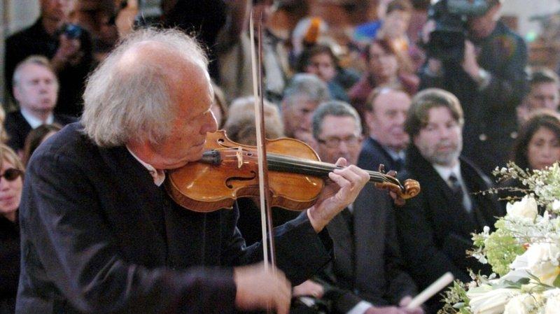 Le violoniste Ivry Gitlis, de renommée mondiale, est décédé à l'âge de 98 ans à Paris. Ici, une photo de 2004, lorsque le virtuose a joué aux funérailles à Genève de Peter Ustinov (archives).