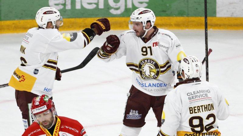 Hockey sur glace: Genève gagne à Bienne, Fribourg défait par le leader Zoug