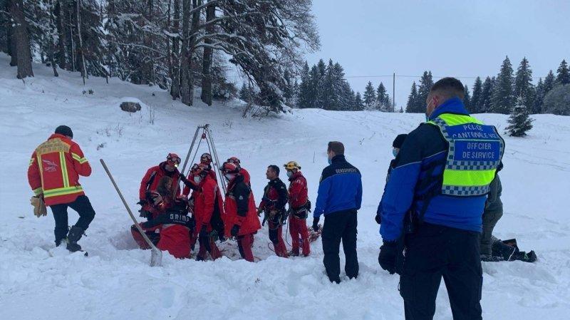 Le sauvetage a nécessité l'intervention de dizaines de personnes.