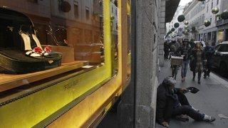 Coronavirus: les Italiens, peu aidés financièrement, sombrent dans la précarité
