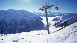 Danger d'avalanche élevé et trafic perturbé dans les Alpes