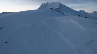 Valais: un randonneur à ski perd la vie sous une avalanche