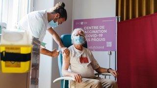 A Morges, Jacques Dubochet lance la campagne de vaccination anti-Covid