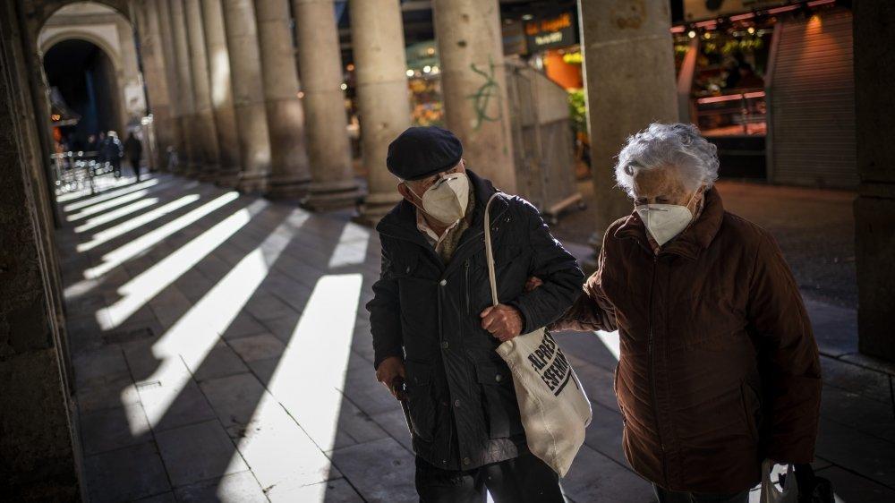 A Barcelone comme dans le reste de l'Espagne, la vie quotidienne est encadrée par les mesures contre le coronavirus.