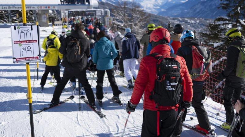 Ce sont 55% des sondés qui souhaiteraient la fermeture des stations de ski.