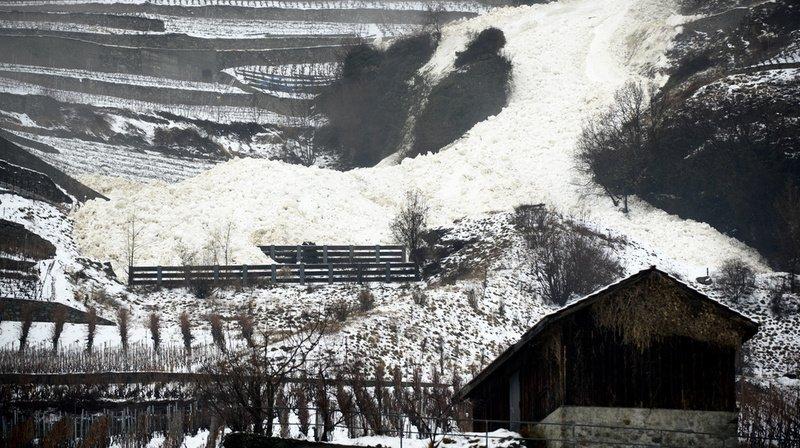 Risque d'avalanche en Suisse: trafic perturbé, hors-piste déconseillé