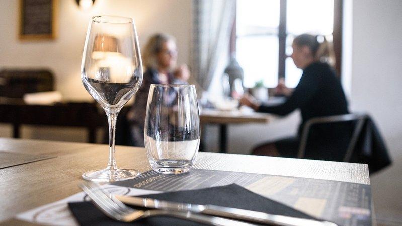 La surveillance des restaurants et hôtels vaudois pourrait être améliorée, selon la Cour des comptes (photo d'illustration).