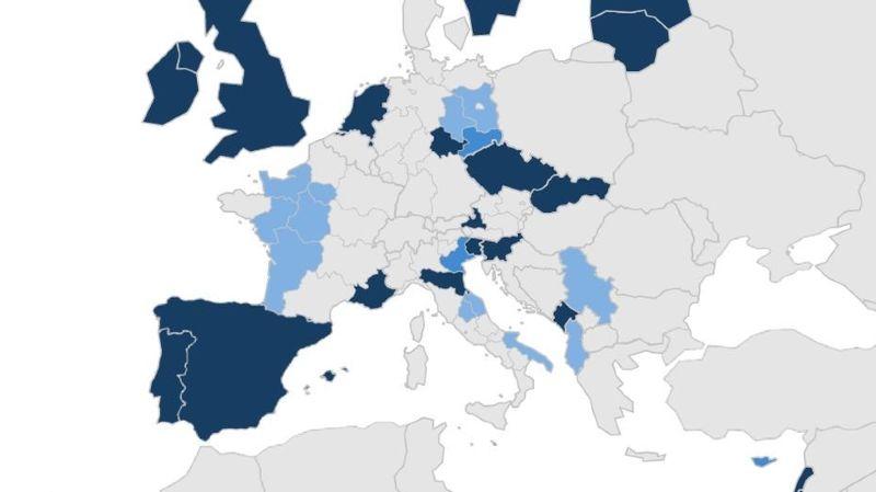 En bleu foncé: quarantaine obligatoire; en bleu moyen, quarantaine obligatoire jusqu'au 11 février et en bleu clair: quarantaine obligatoire depuis le 22 février.
