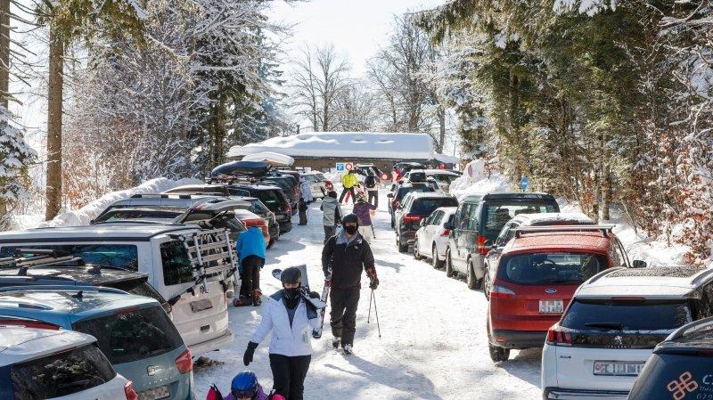 Jura vaudois: les parkings sont bondés ce dimanche