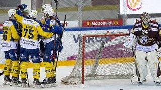Hockey sur glace: Bienne se paie Zoug, Fribourg n'a pas tremblé, Genève battu par un Davos diminué