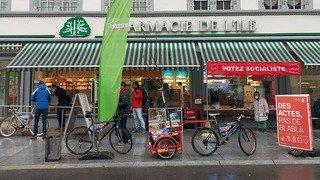 Un arbre à vélo, des jeux de mots: la campagne en bref du 4 février