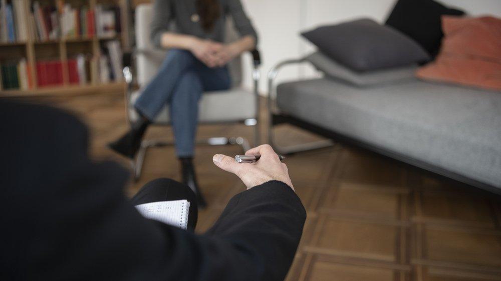 La nouvelle réglementation limite la psychothérapie à 15 séances, alors qu'en moyenne 25 à 30 rendez-vous sont nécessaires.