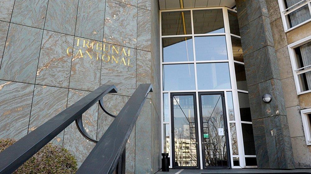 Les deux protagonistes d'une altercation dans un commerce nyonnais se sont retrouvées, mardi, au Tribunal cantonal à Lausanne, pour une éventuelle révision du verdict de première instance rendu l'été dernier.