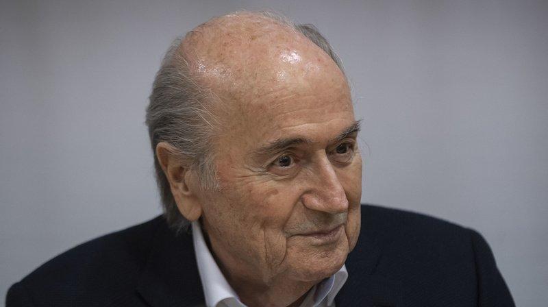 Affaire FIFA: Sepp Blatter et Jérôme Valcke suspendus pour 6 ans de plus