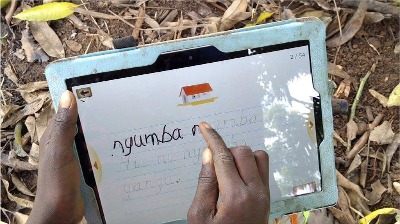 Innovation: l'EPFL développe un outil pour repérer les difficultés d'écriture sur tablette
