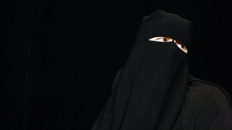 Interdiction de la burqa: tour d'horizon des tentatives cantonales