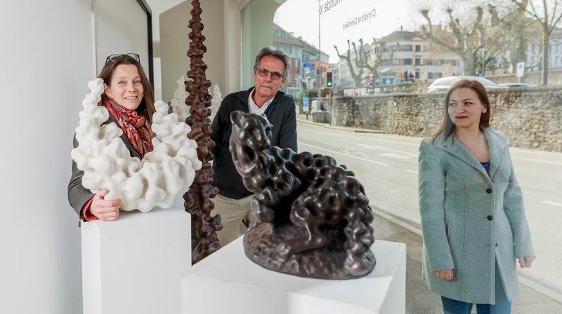A Nyon, il met en vitrine les artistes de la région