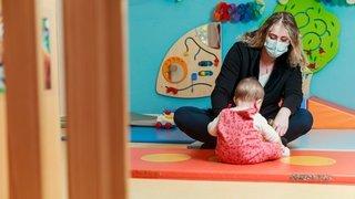 Port du masque au contact des tout-petits: le cri d'alarme des professionnels