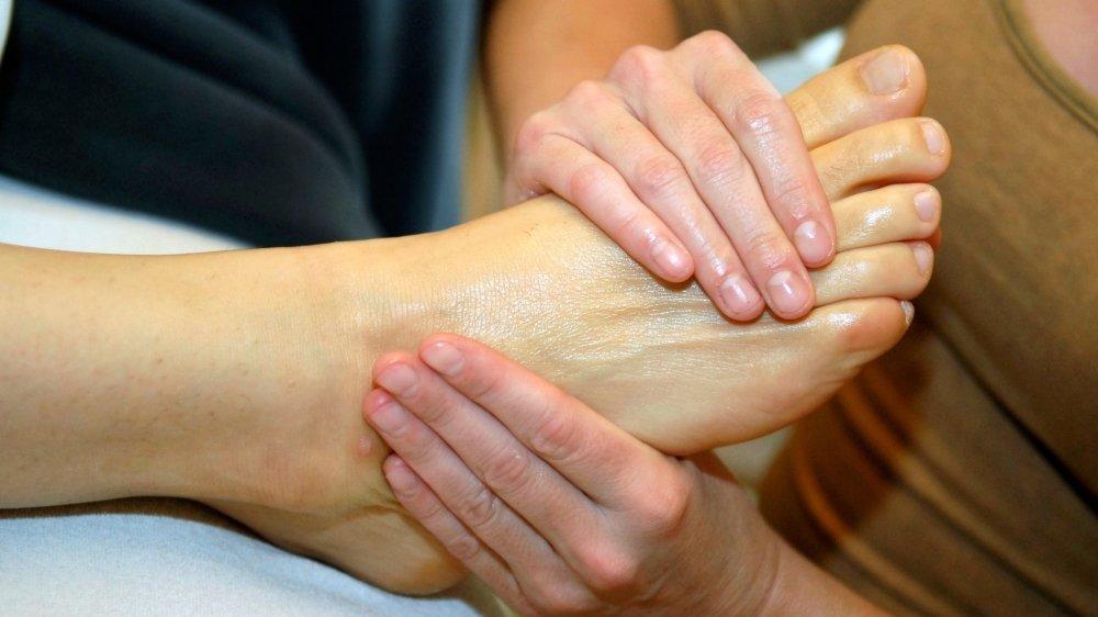 Un simple massage du pied peut procurer un bien-être dans tout le corps.