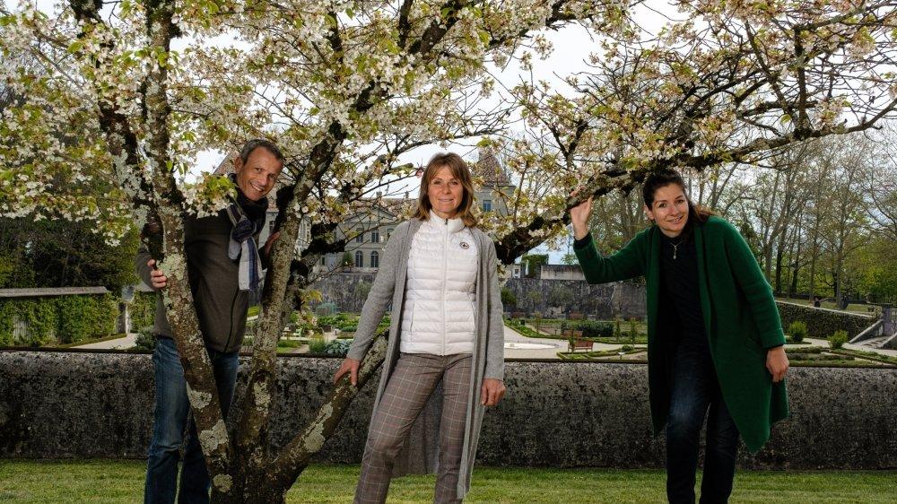 Simon Mériaux, Caroline Serafini et Joanna Baird prônent plus de sobriété dans la manière de consommer.