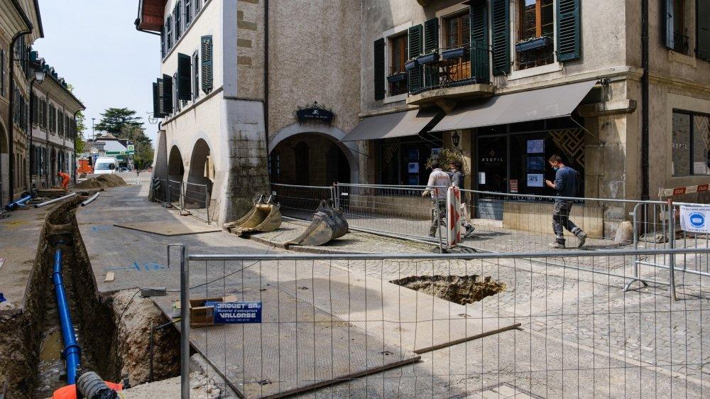 Fin avril, la Grand-Rue a été totalement fermée au trafic durant une petite semaine, une situation pas simple pour les commerçants du cœur du bourg.