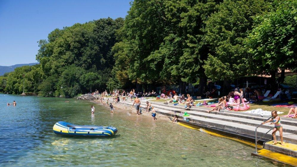 La plage de Promenthoux est un petit coin de paradis particulièrement prisé l'été.