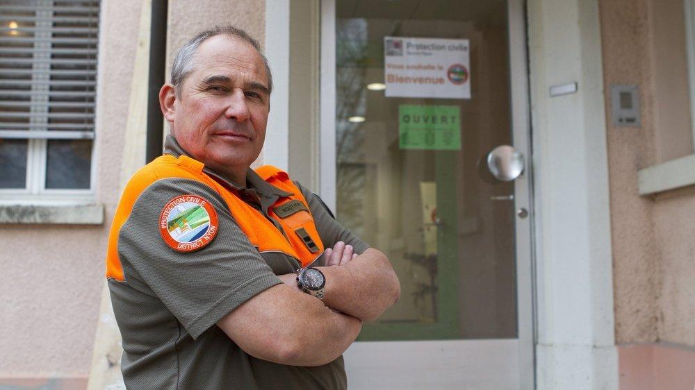Luc Mouthon, ex-commandant de la protection civile du district de Nyon, en prend pour son grade.
