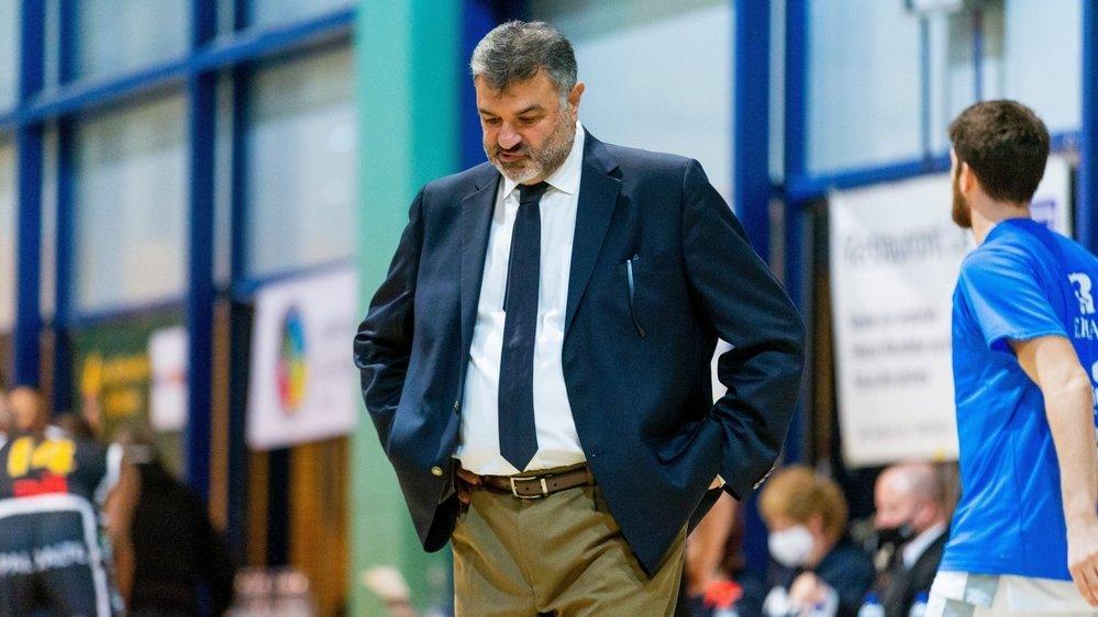 Le coach grec avait de grandes ambitions pour la suite. Trop grandes pour le club du Rocher...