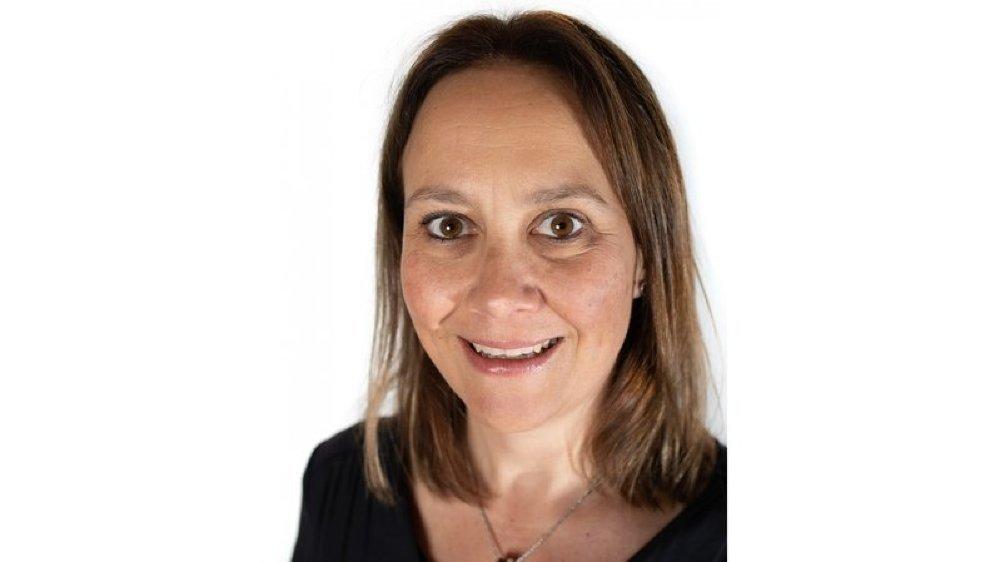 Lorette Killias Leutwiler, économiste de formation, travaille en tant qu'indépendante dans le domaine du marketing et de la communication
