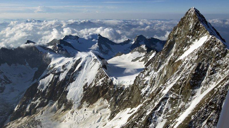 L'accident s'est produit lors de la descente du Finsteraarhorn.