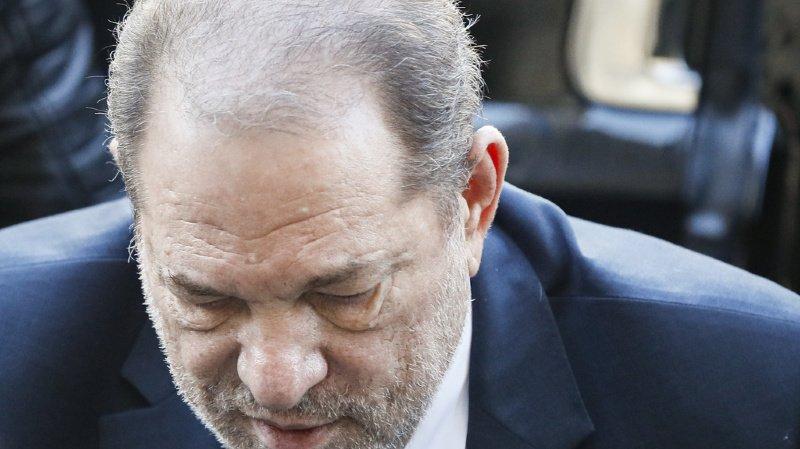 Dans leur recours, les avocats de M. Weinstein font aussi valoir qu'une des jurés, autrice d'un livre sur des hommes au comportement prédateur sur de jeunes femmes, avait compromis l'impartialité supposée du jury (ARCHIVE).