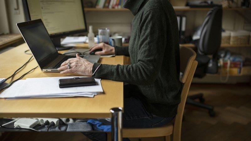 Selon une étude citée par l'OMS, le nombre d'heures de travail a augmenté d'environ 10% pendant les confinements.