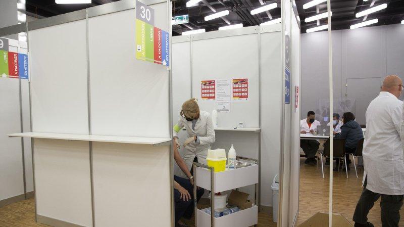 Coronavirus: près de 1500 déclarations d'effets indésirables dus aux deux vaccins