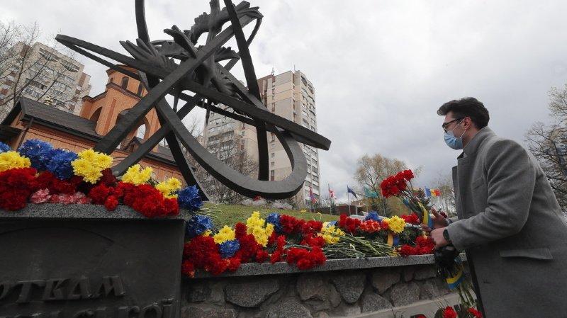 Nucléaire: l'Ukraine commémore les 35 ans de la catastrophe de Tchernobyl