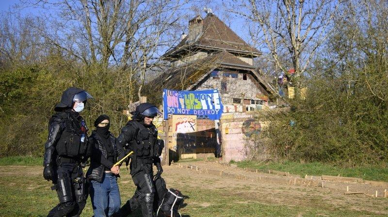 Holcim détruit la maison sur le Mormont sans autorisation
