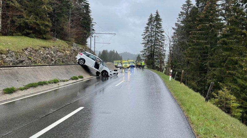 Saint-Cergue: 5 blessés dans une impressionnante collision