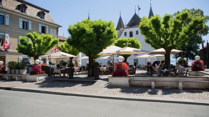 Les bistrots nyonnais pourront à nouveau s'étendre sur la place du Château.
