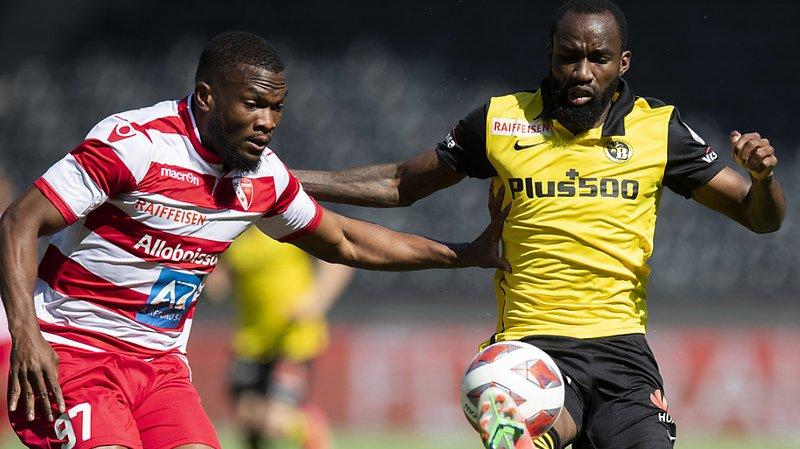 Le Sédunois Dimitri Cavaré (à gauche) a marqué pour Sion, mais cela n'a pas suffi pour prendre un point à Young Boys et Ngamaleu.