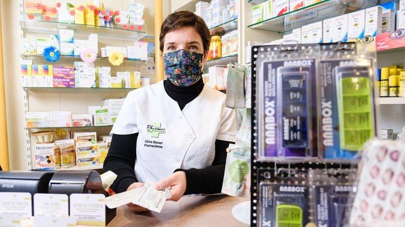 Covid: à chaque pharmacie son astuce pour gérer ses stocks d'autotests