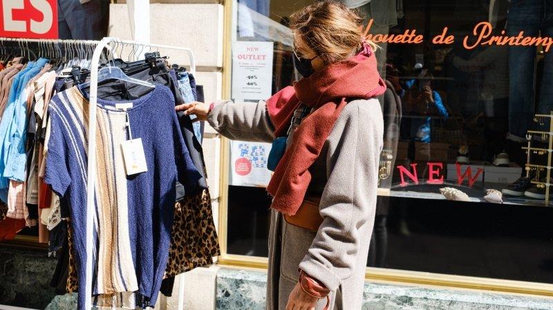 Nyon: les commerçants ont investi la rue pour écouler leurs invendus